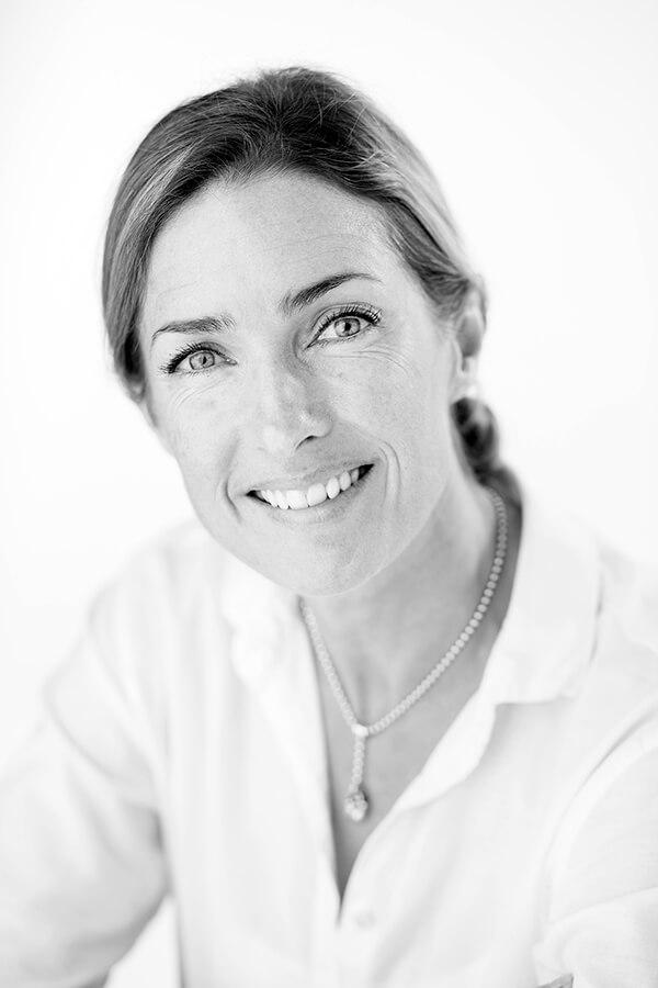 Barbara Jaques, Novelist